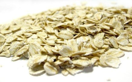 Rolled_oats_in_cup