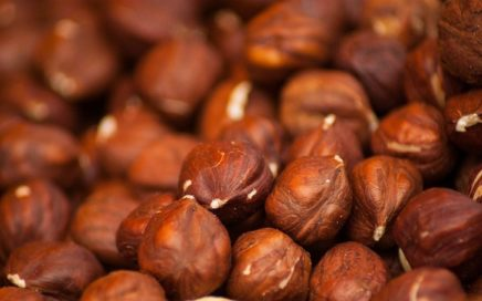 How_much_hazelnuts_are_in_1-cup