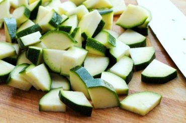 How_to_measure_chopped_raw_zucchini_or_summer_squash_without_scales