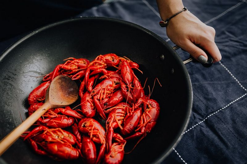 How_do_you_cook_crawfish