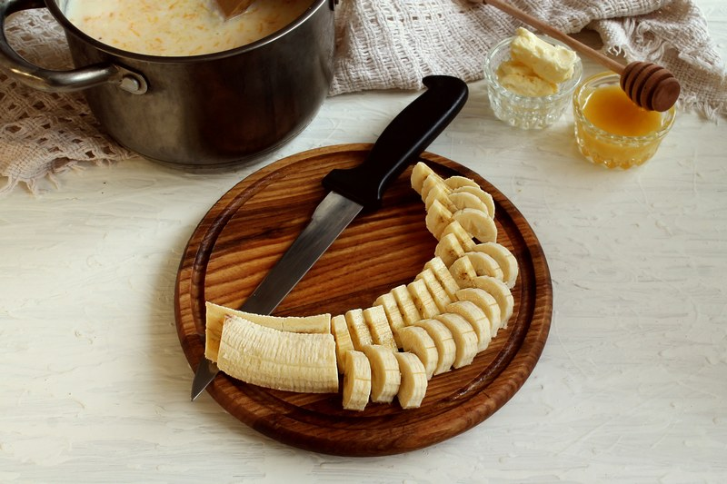Creamy_corn_grits_with_butternut_squash_adding_bananas