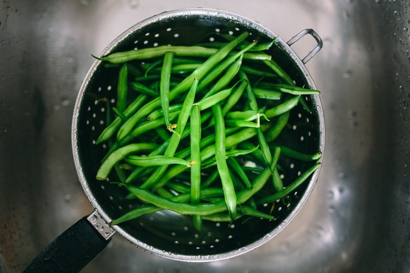 How_to_cook_green_beans_in_a_pot_on_the_stove