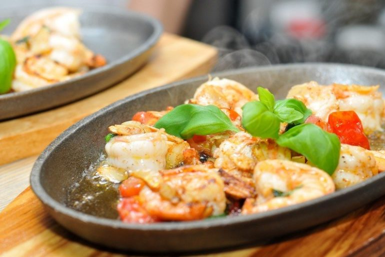 How_to_cook_shrimps_in_a_pan_on_the_stove