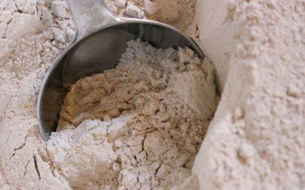 Whole_wheat_grain_flour_grams_in_a_cup