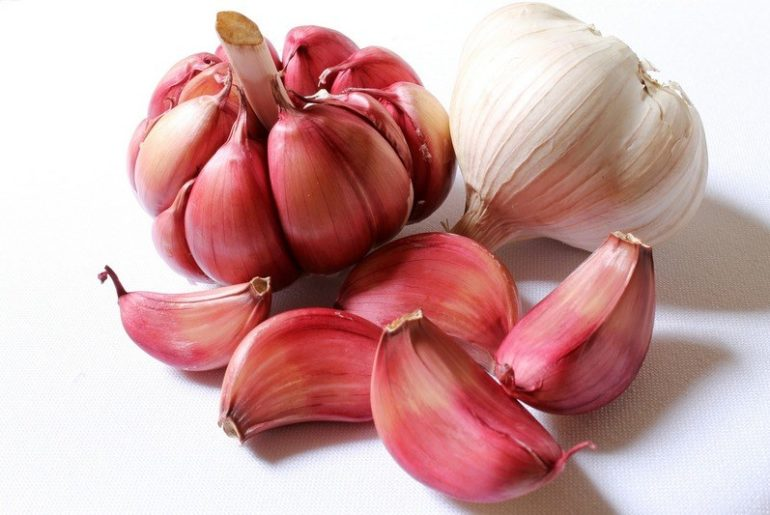 How_much_garlic_is_in_a_cup_spoon
