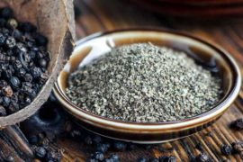 How_much_black_pepper_in_a_spoon