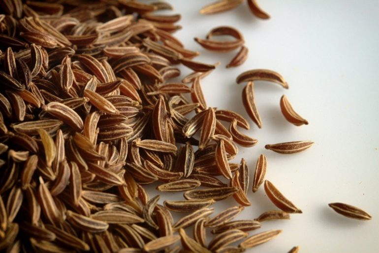 How_much_caraway_seeds_are_in_a_spoon