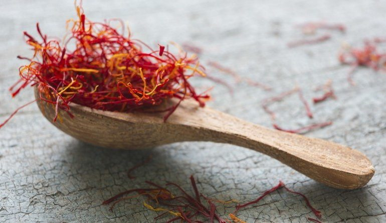 How_much_saffron_is_in_a_spoon