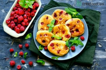 Fluffy yogurt pancakes with raspberry