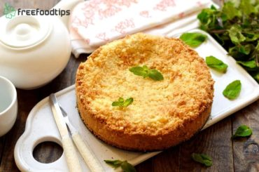 Cottage cheesecake with lemon zest