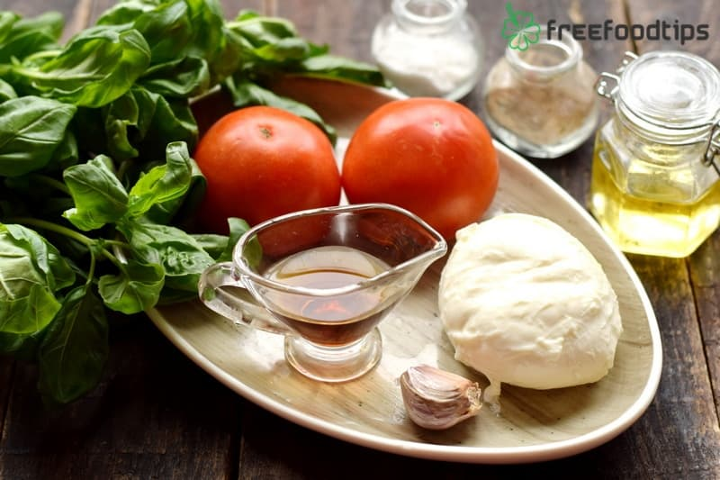 Ingredients for Caprese Salad and Balsamic Dressing