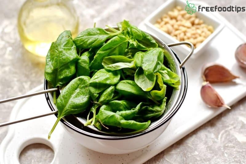 Step_1 How to make Pesto at home