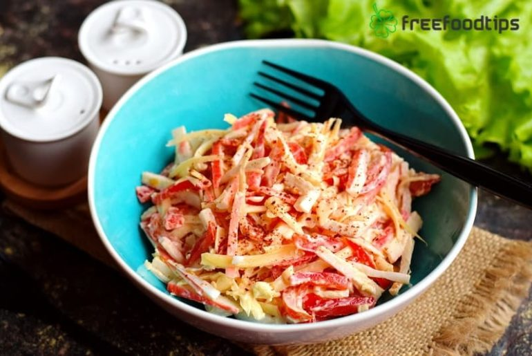 Imitation Crab Salad Recipe with Bell Pepper Tomatoes and Cheese