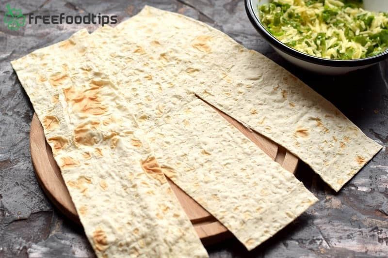 Cut flatbread into thick slices