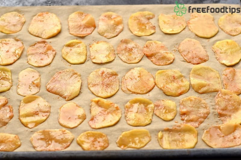 Place slices in one layer on the baking tray