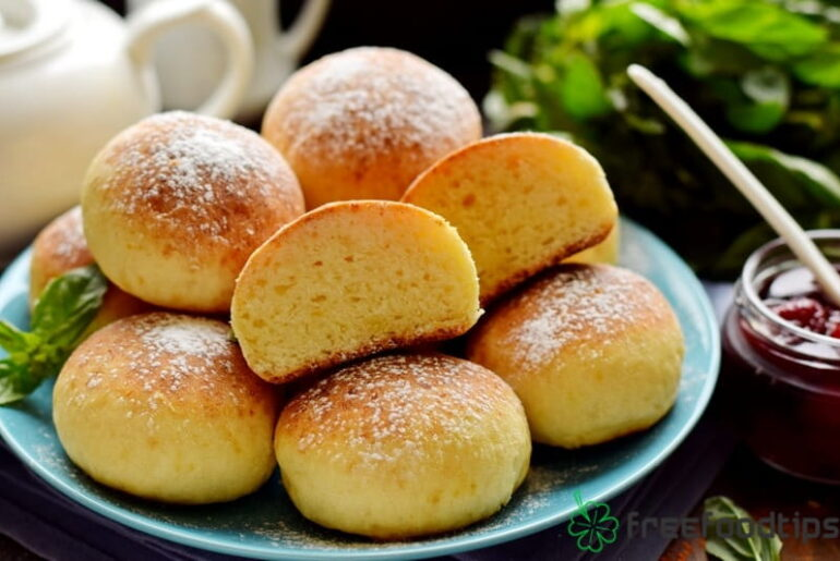Quick Cottage Cheese Buns