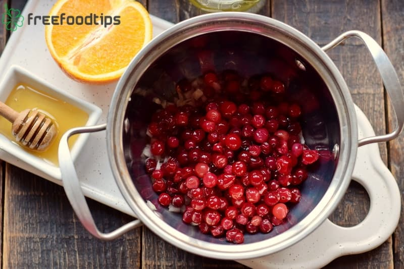 Add rinsed cranberries
