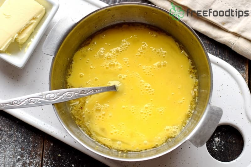 Combine whisked eggs with lemon mixture