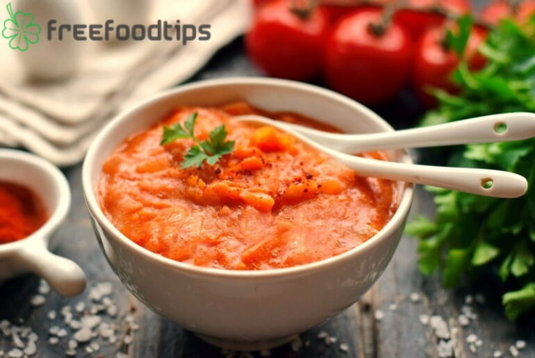 Easy Tomato Gravy Recipe with Sour Cream