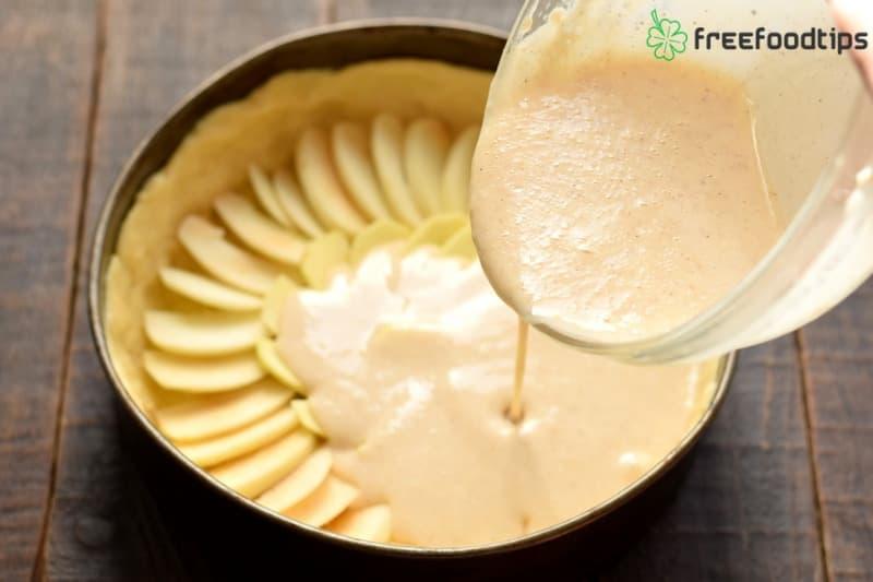 Pour the sour cream mixture
