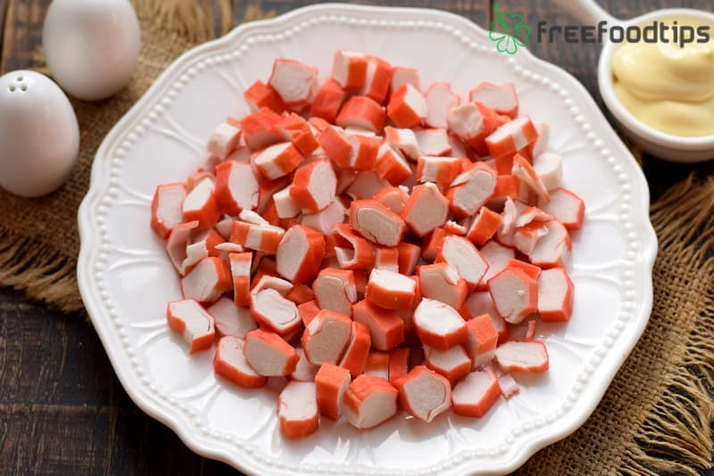 Cut crabsticks into slices
